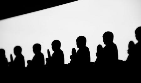 Seyirci Etkisi Nedir? Bystander Etkisi Nasıl İşler?